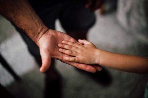 Ayah Dalam Islam dan Ini Perannya Menurut Islam