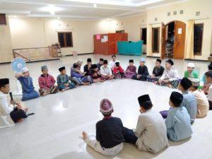 Baca Surat Yasin Pada Malam Jumat dan Keistimewaannya Dalam Islam