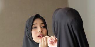 Chelsea Islan Merawat Wajah dan Cara Merawat Diri Yang Diperbolehkan Islam