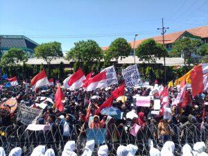 Demo Tolak RUU Cipta Kerja Diikuti Anak Dibawah Umur dan Pandangan Islam