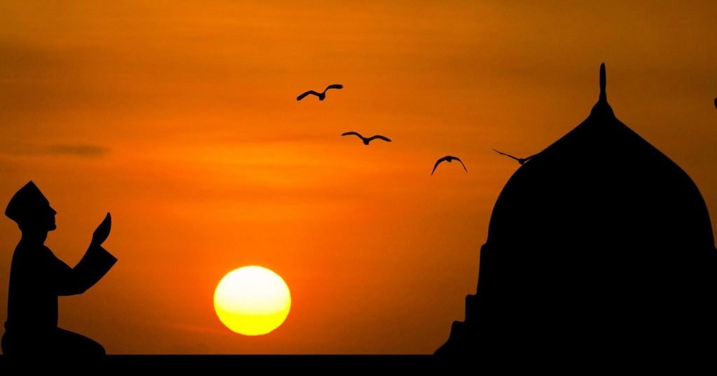 Doa Akhir Tahun dan Awal Tahun Adakah Dalam Tuntunan Islam