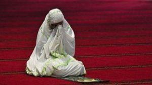 Hukum Itikaf Bagi Wanita dan Syarat Diperbolehkannya Menurut Islam