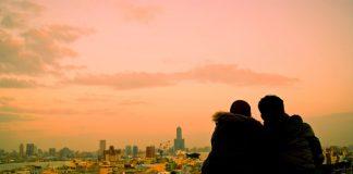 Kisah Luna Maya Menjomblo dan Begini Larangan Islam Untuk Pacaran