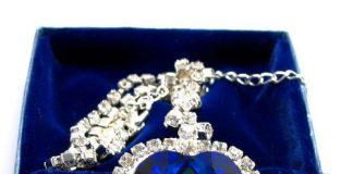 kisah-islamiabu-bakr-al-bazaaz-dan-kalung-berlian