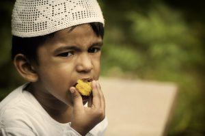 Kue Klepon Tidak Islami dan Syarat Makanan Halal Sesuai Syariat