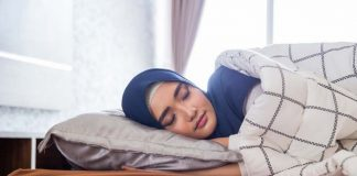 Kurang Tidur Sebabkan Tidak Sehat dan Ini Tidur Menurut Islam