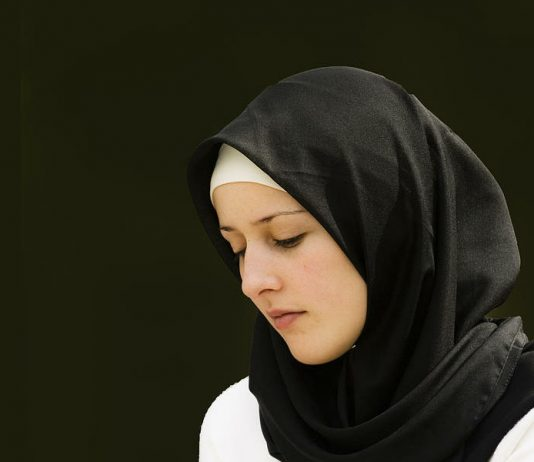 Lepas Hijab Ketetapan Hati Yang Goyah
