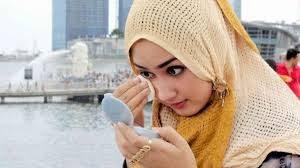 Lyodra Margaretha Tidak Bisa Keluar Tanpa Riasan dan Ini Hukumnya Dalam Islam