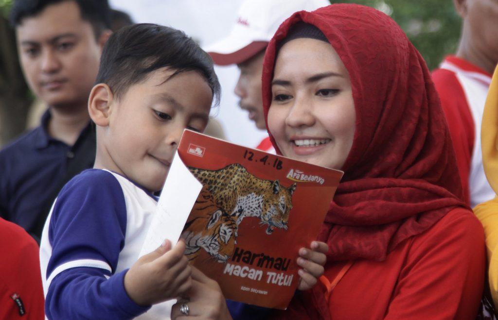 Maia Estianty Ajarkan Ikhlas Kepada Al Ghazali dan Begini Orang Tua Teladan Islam