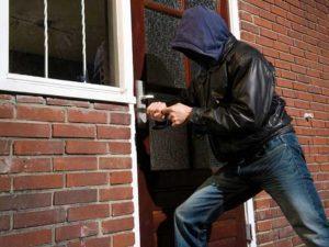 Motif Pencuri Kotak Amal dan Hukum Mencuri Karena Terpaksa