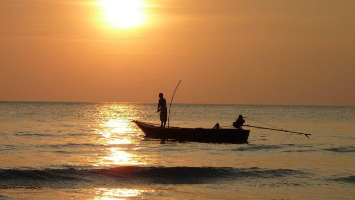 Nelayan Sulsel Terombang-ambing 1