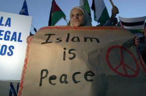 Pasukan Marinir Tertibkan Demonstran dan Perdamaian Dalam Islam