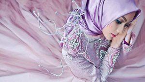 Pemuda Nikahi Nenek 62 Tahun dan Ini Kriteria Perempuan Menurut Islam