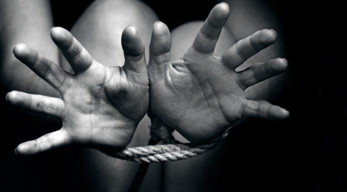 Perempuan di Sukabumi Dibakar dan Dirampas Harta Benda Miliknya
