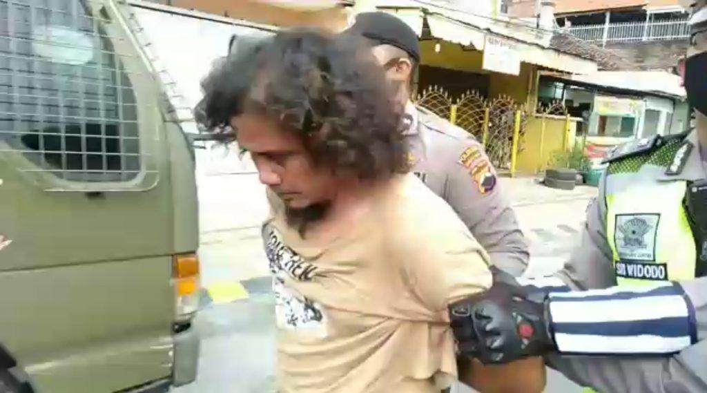 Pukul Polisi 1