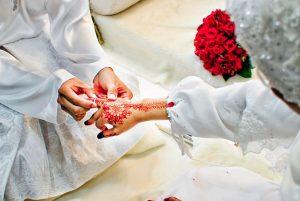 Sirajuddin Mahmud Berikan Mahar Sebagai Pemberian Wajib Pernikahan