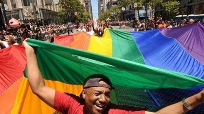 TNI LGBT