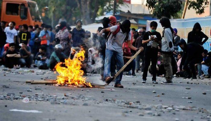 demo warga madura