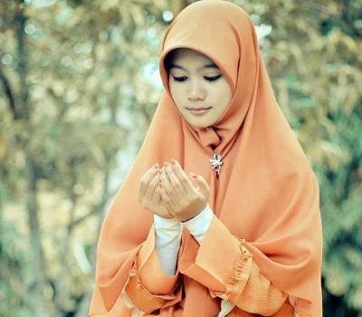 istri-tawakal-pada-allah-dan-mendoakan-suaminya