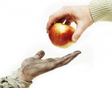 keistimewaan memberi makan orang miskin
