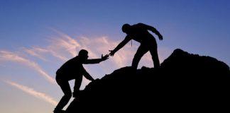 membantu sesama manusia