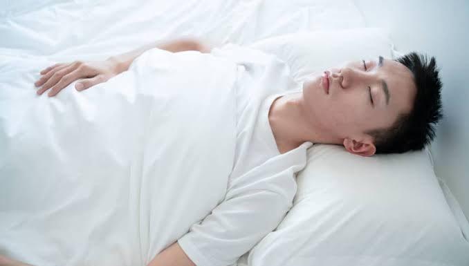 tidur sepanjang hari